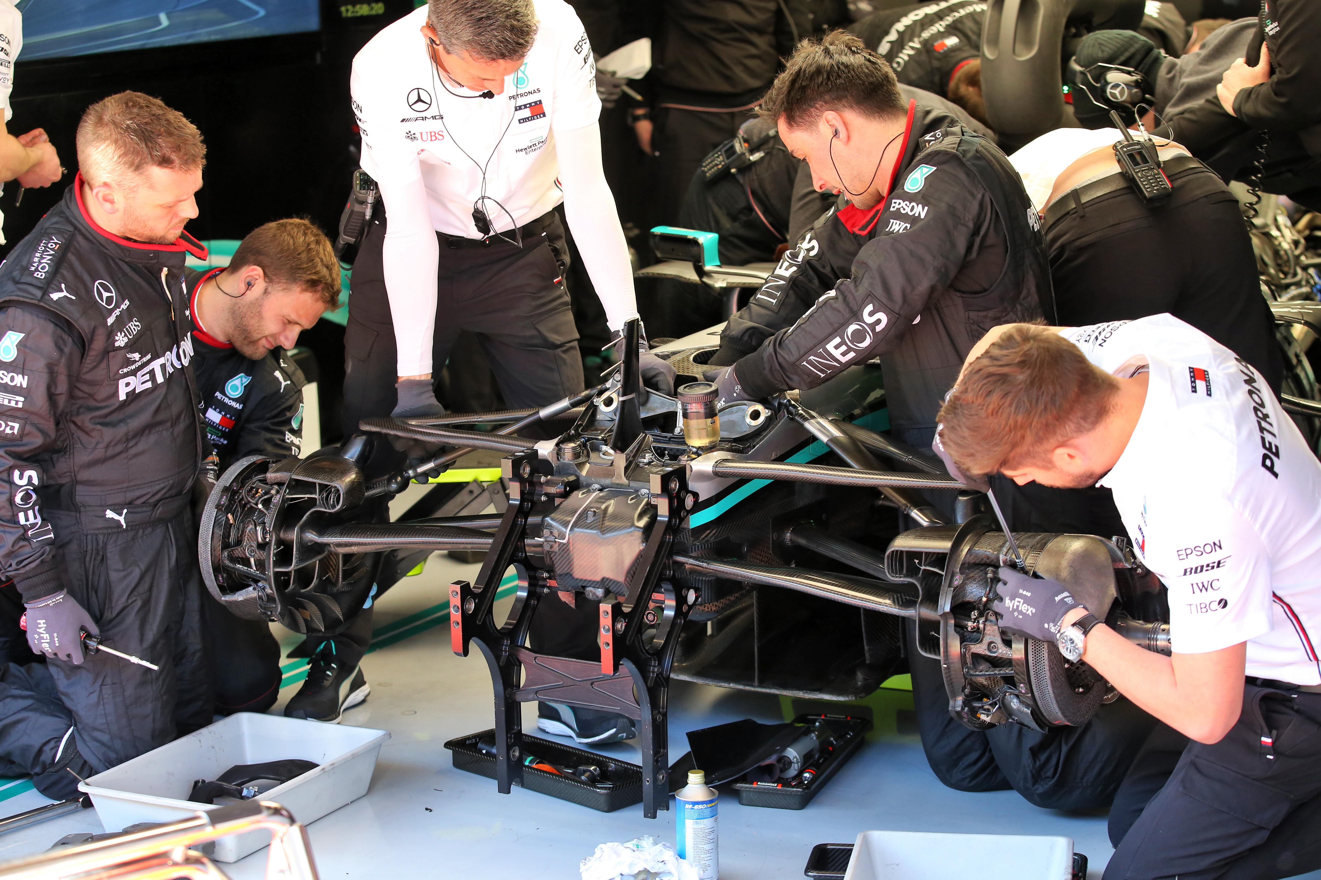 Mercedes F1 testing Barcelona 2020 DAS steering