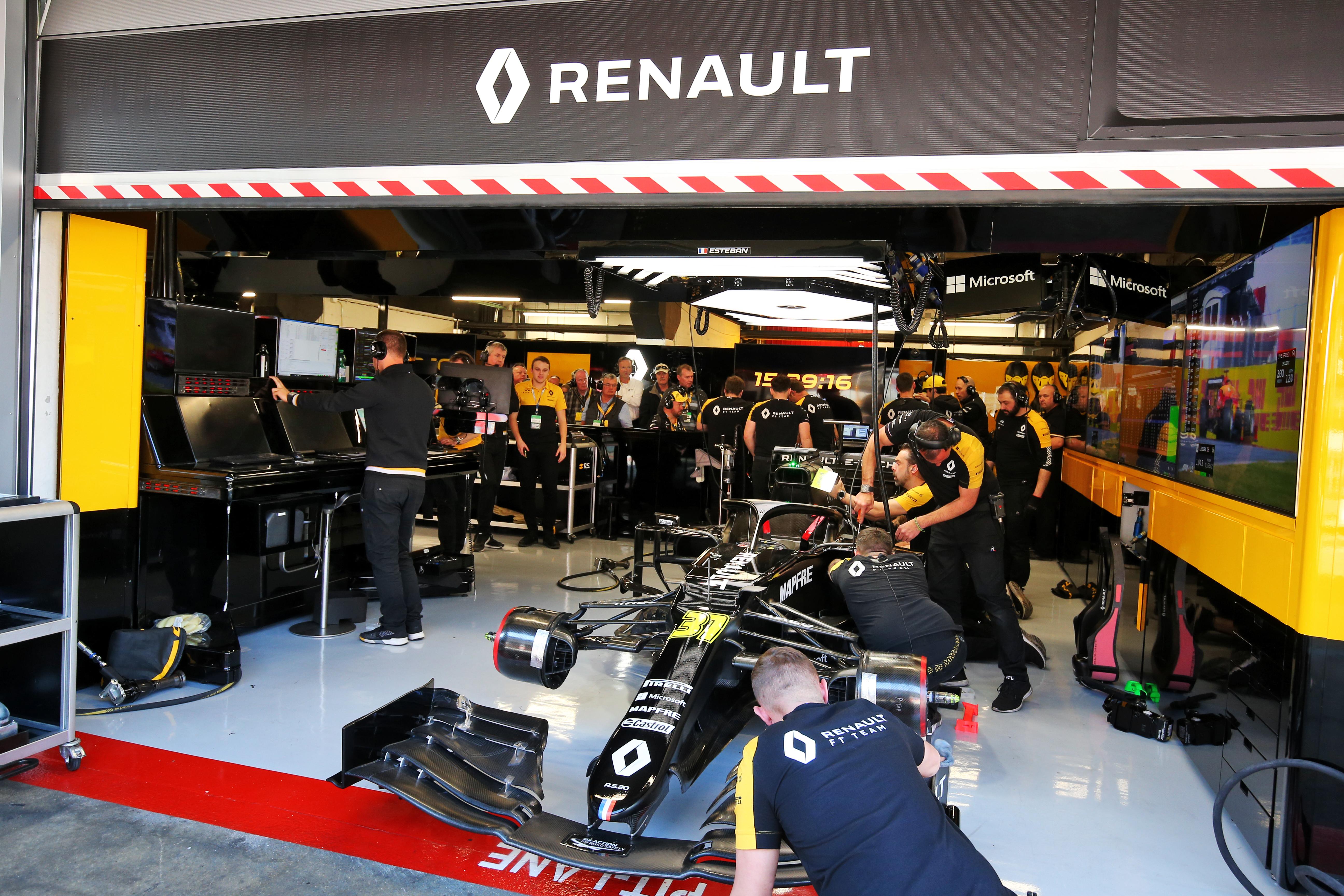 Renault F1 garage Barcelona testing 2020