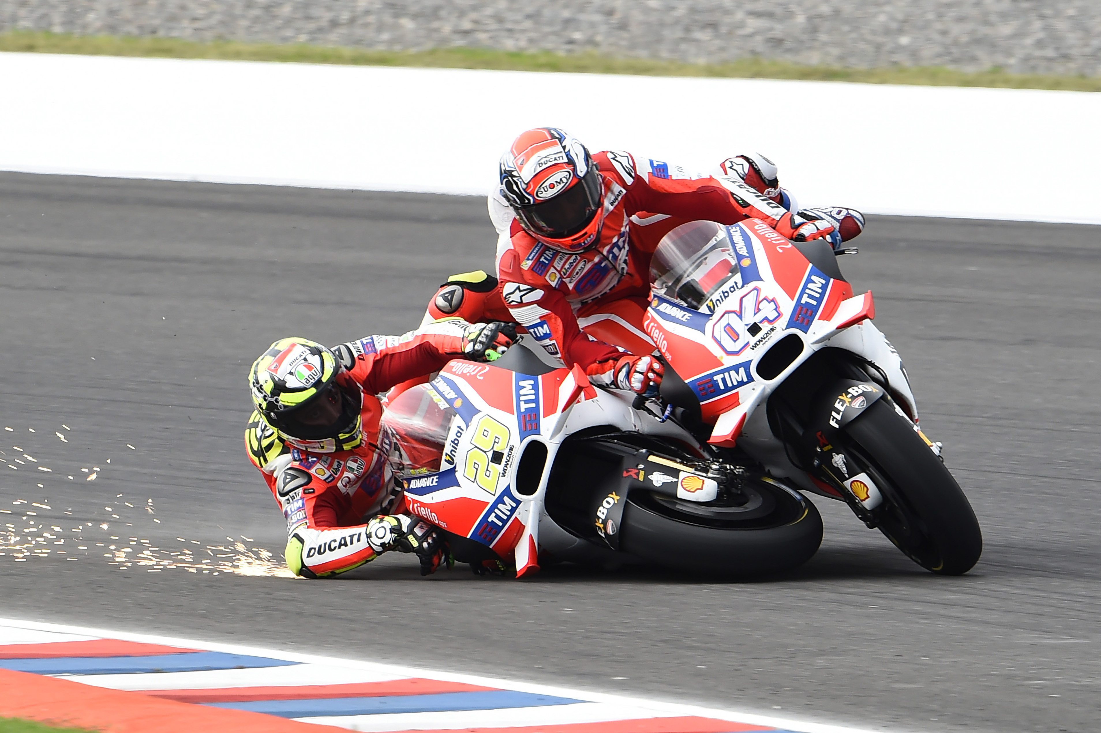 Andrea Iannone Andrea Dovizioso collision Ducati Termas de Rio Hondo MotoGP Argentina 2016