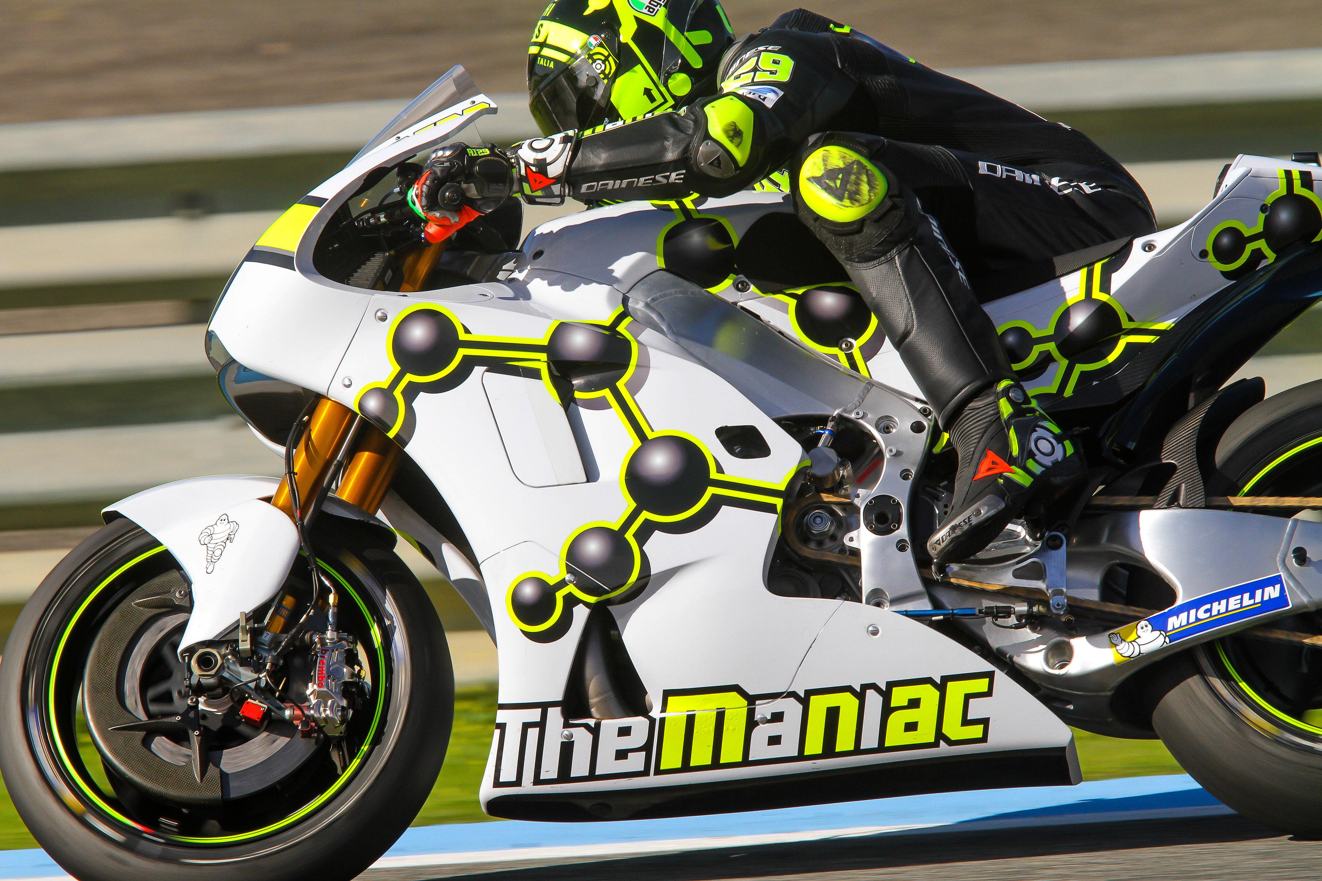 Andrea Iannone Suzuki Jerez MotoGP testing 2016