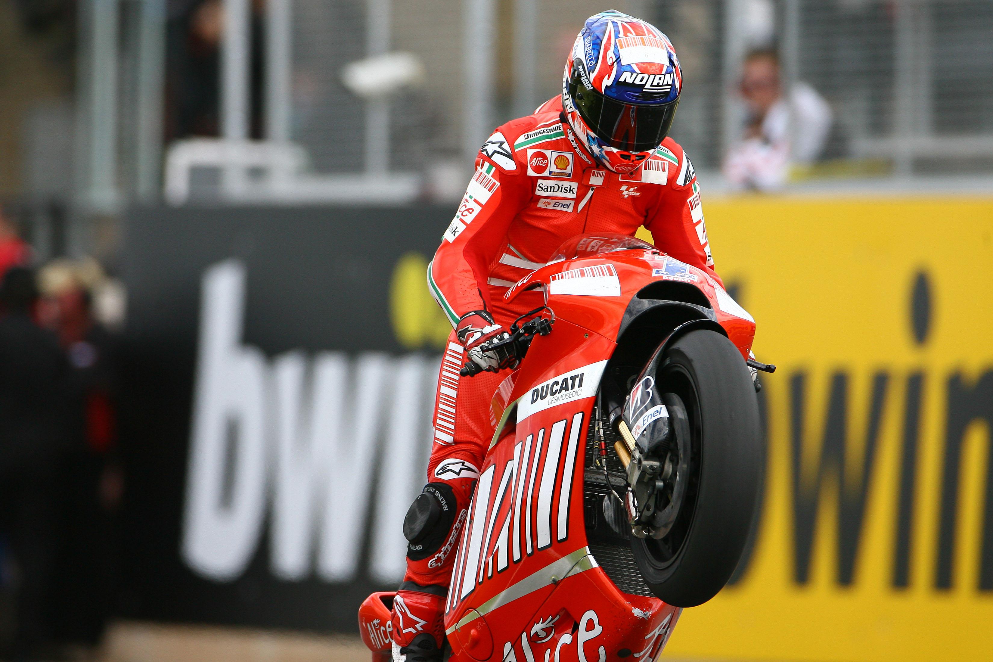 Casey Stoner Ducati wins Donington Park MotoGP 2008