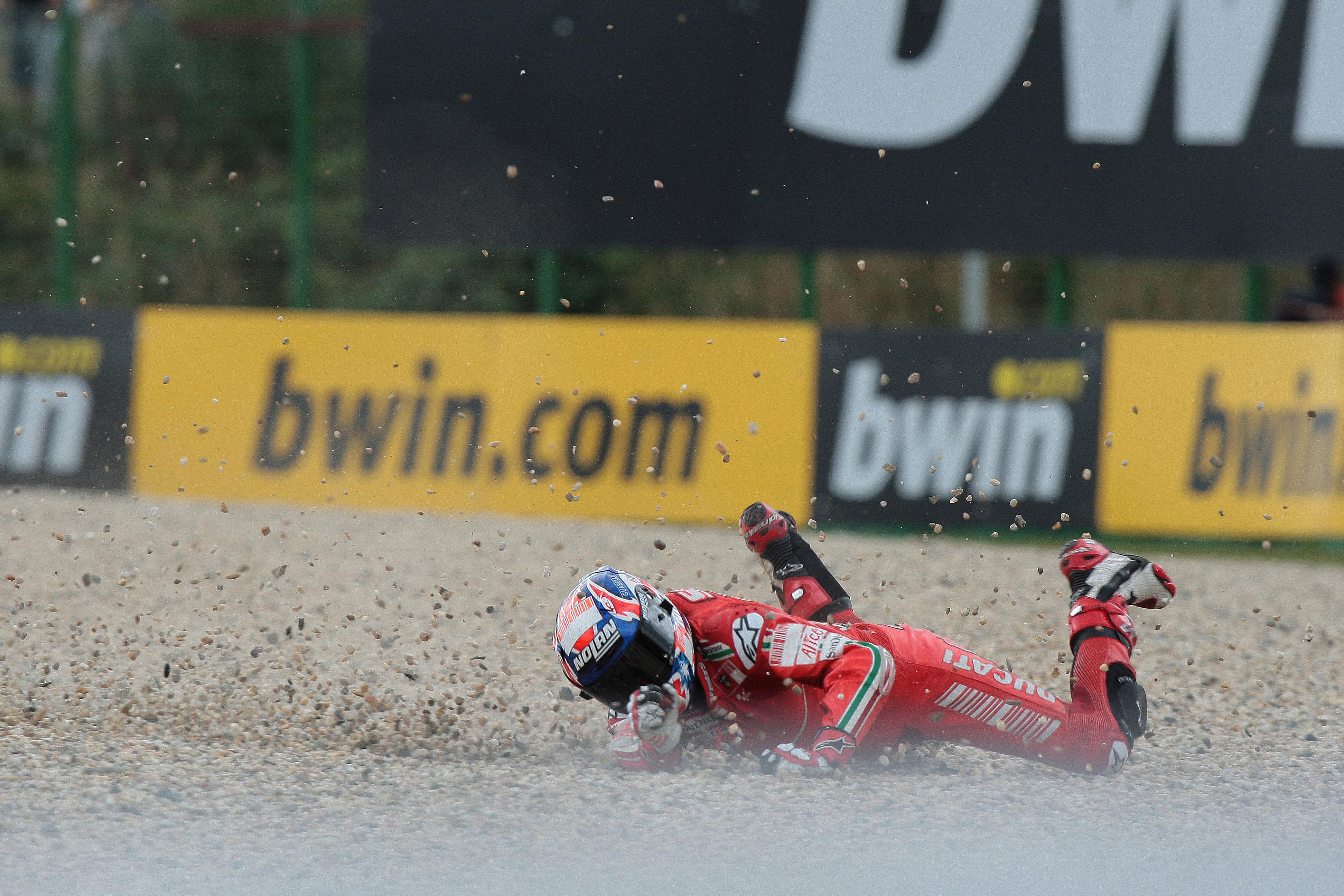 Casey Stoner crash Brno MotoGP 2008
