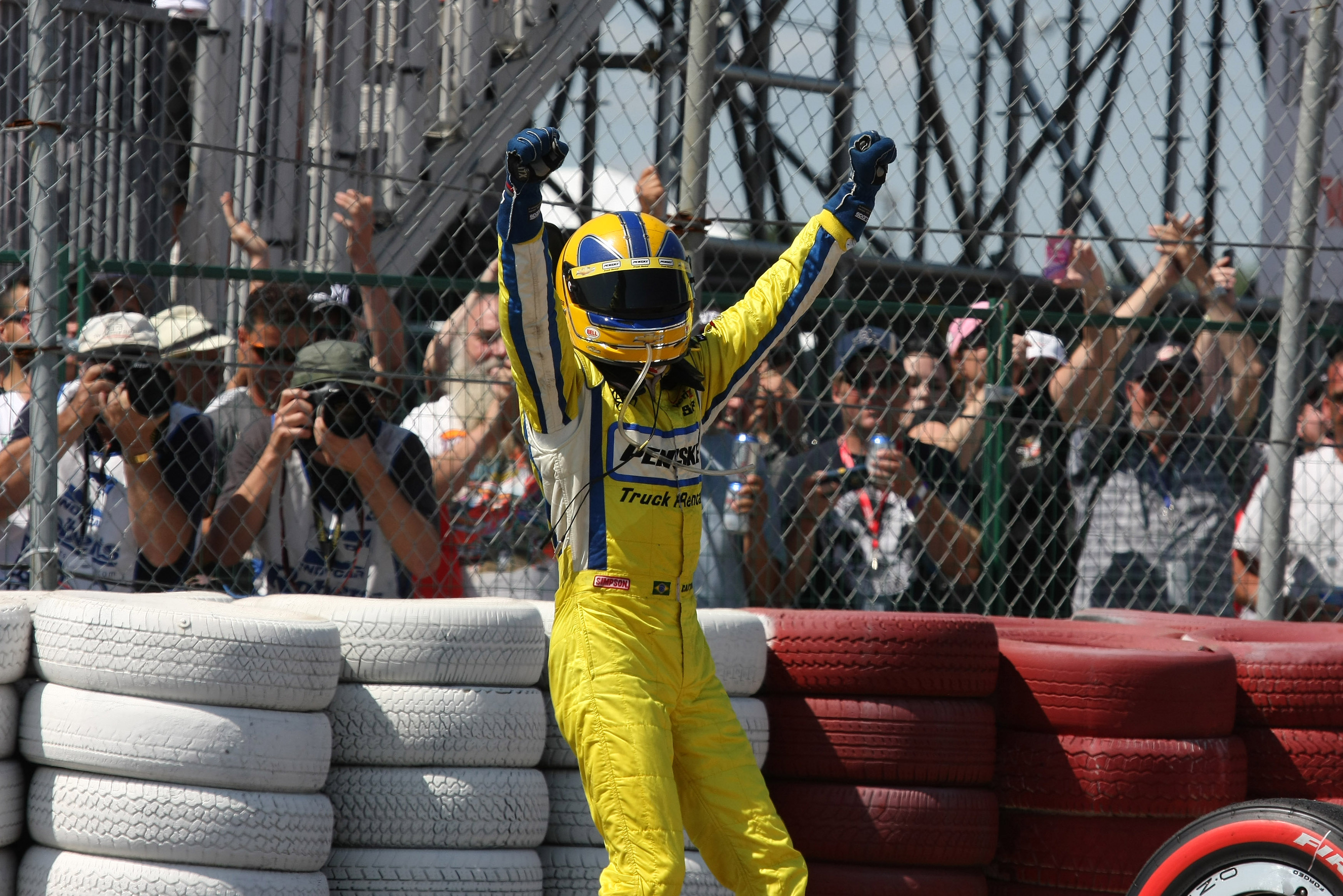 Helio Castroneves wins Edmonton IndyCar 2009