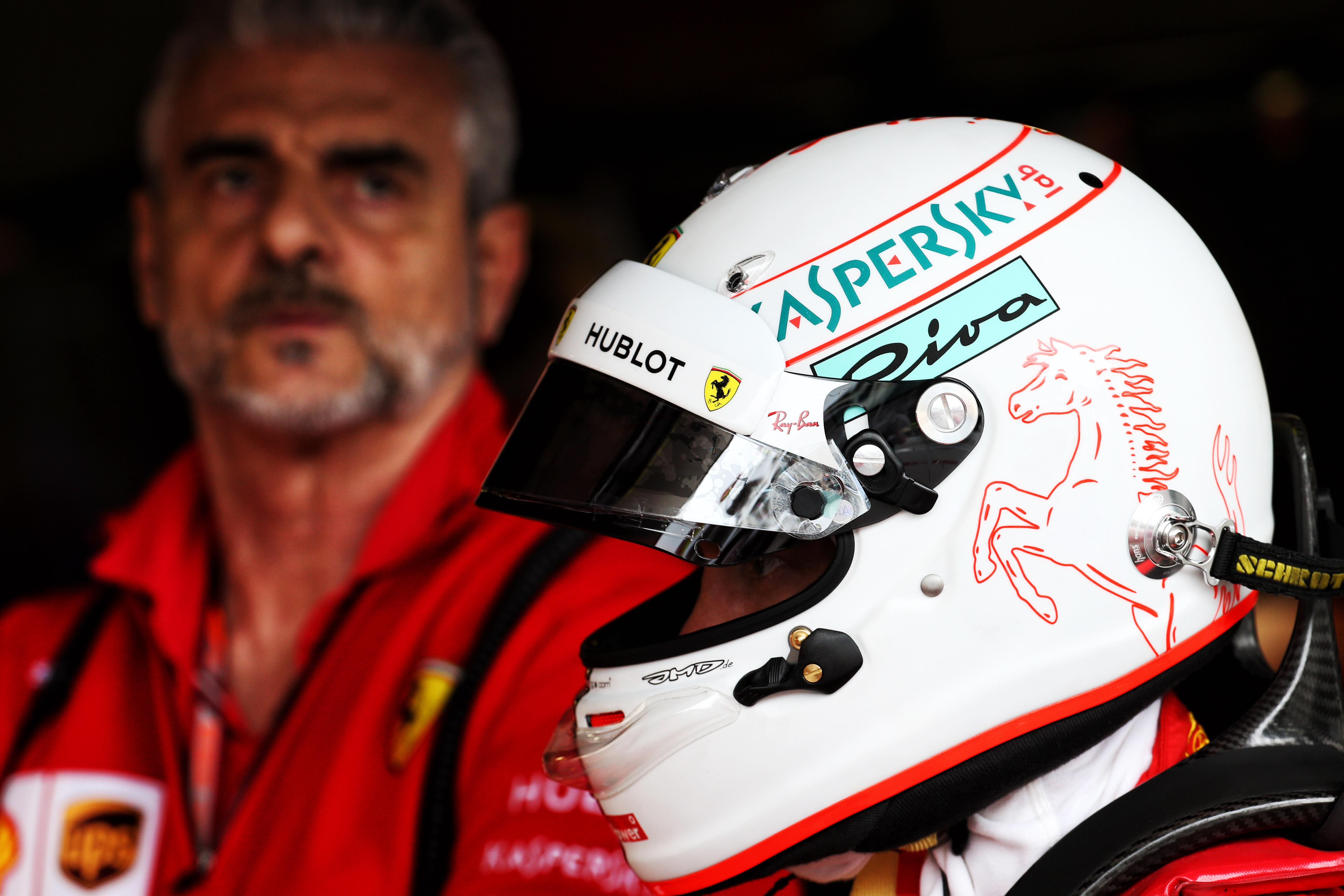 Sebastian Vettel Maurizio Arrivabene F1 Ferrari 2019