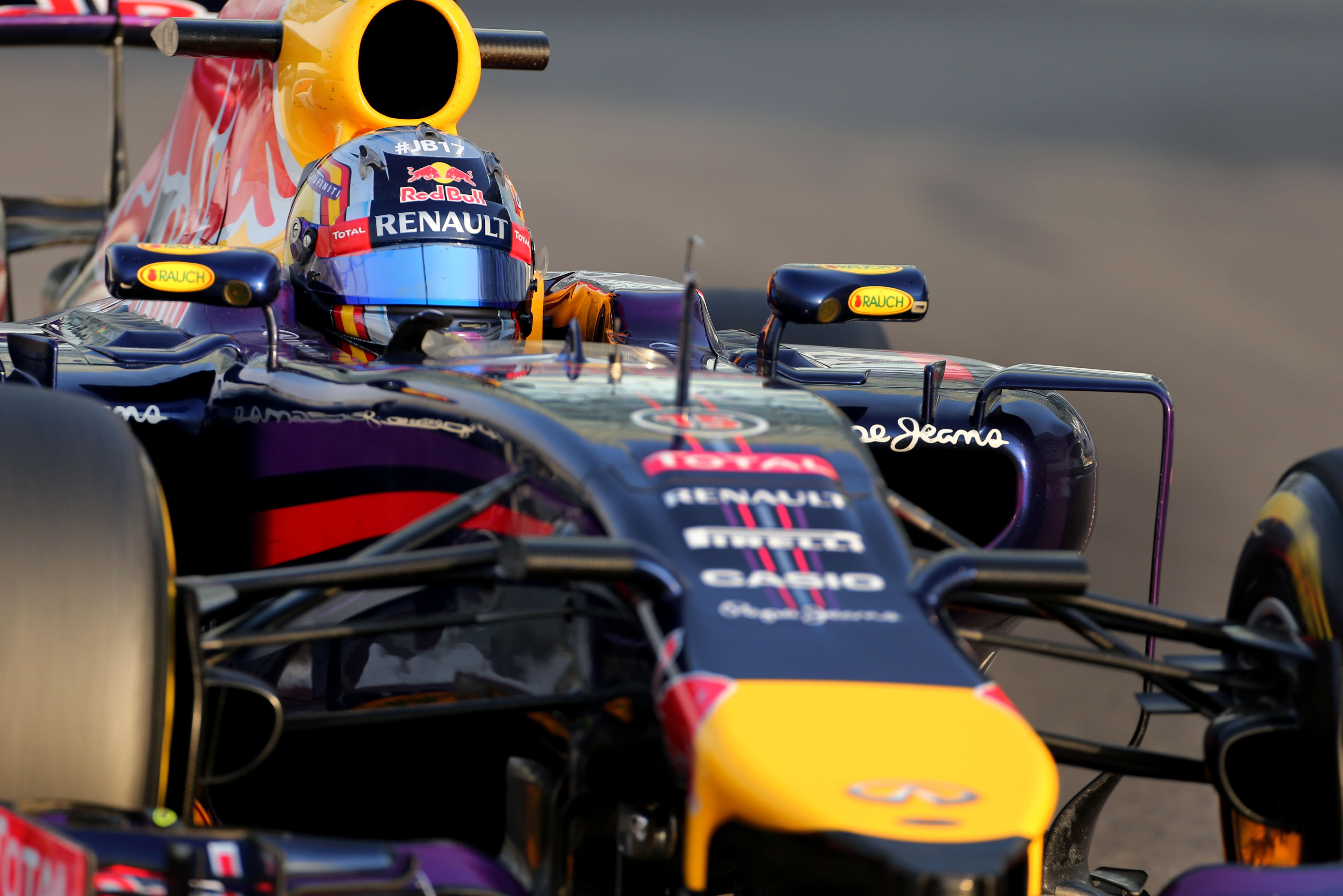 Carlos Sainz Jr Red Bull Abu Dhabi F1 testing 2014