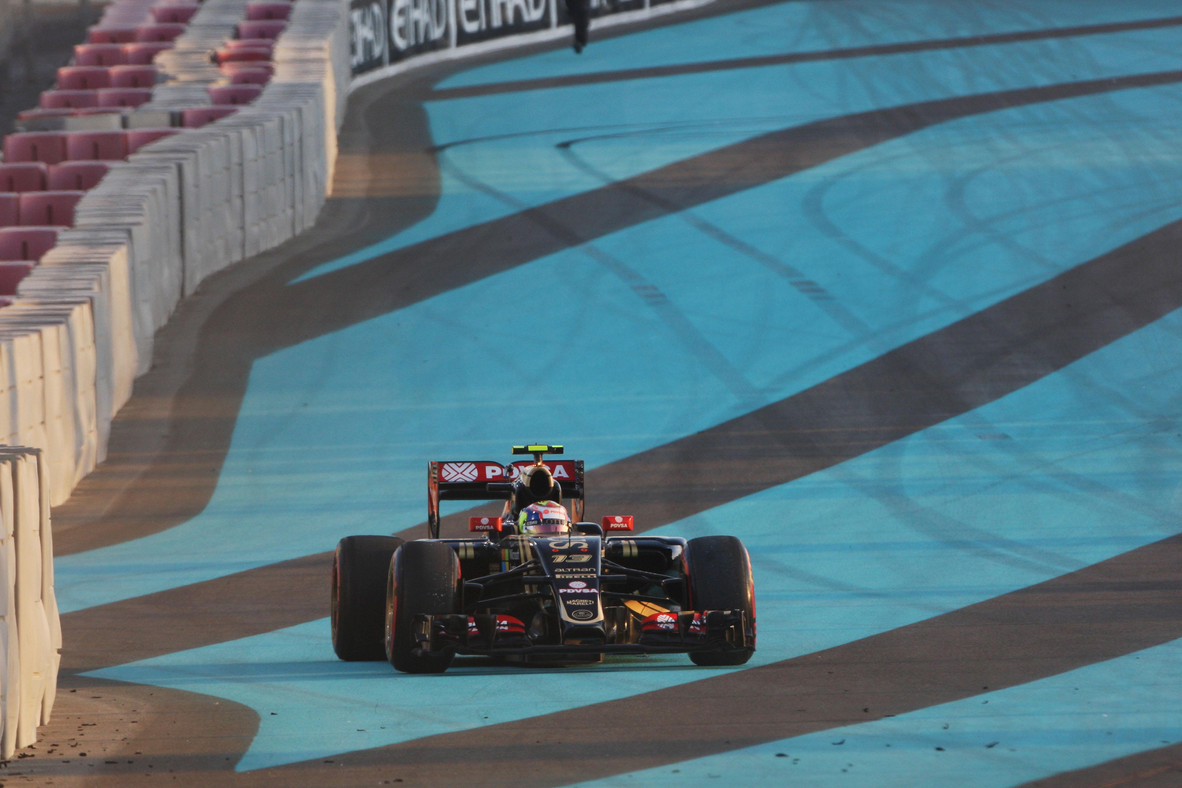 Pastor Maldonado Lotus crash Abu Dhabi Grand Prix 2015
