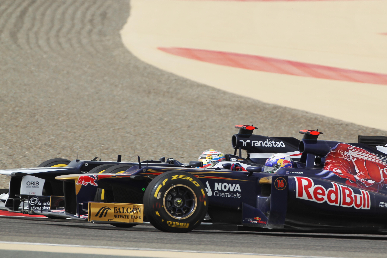 Daniel Ricciardo Toro Rosso Pastor Maldonado Williams Bahrain Grand Prix 2012