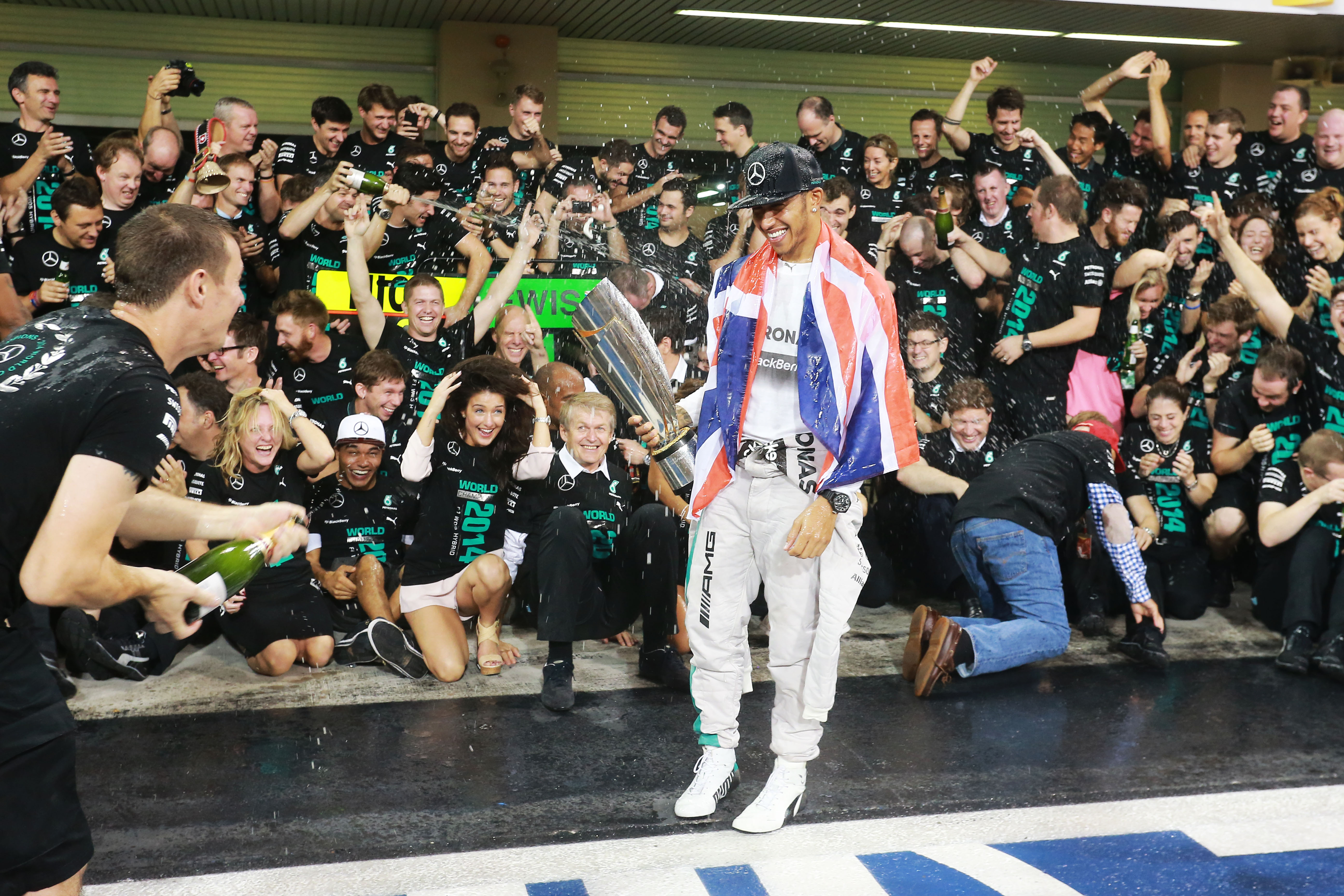 Lewis Hamilton wins 2014 F1 title