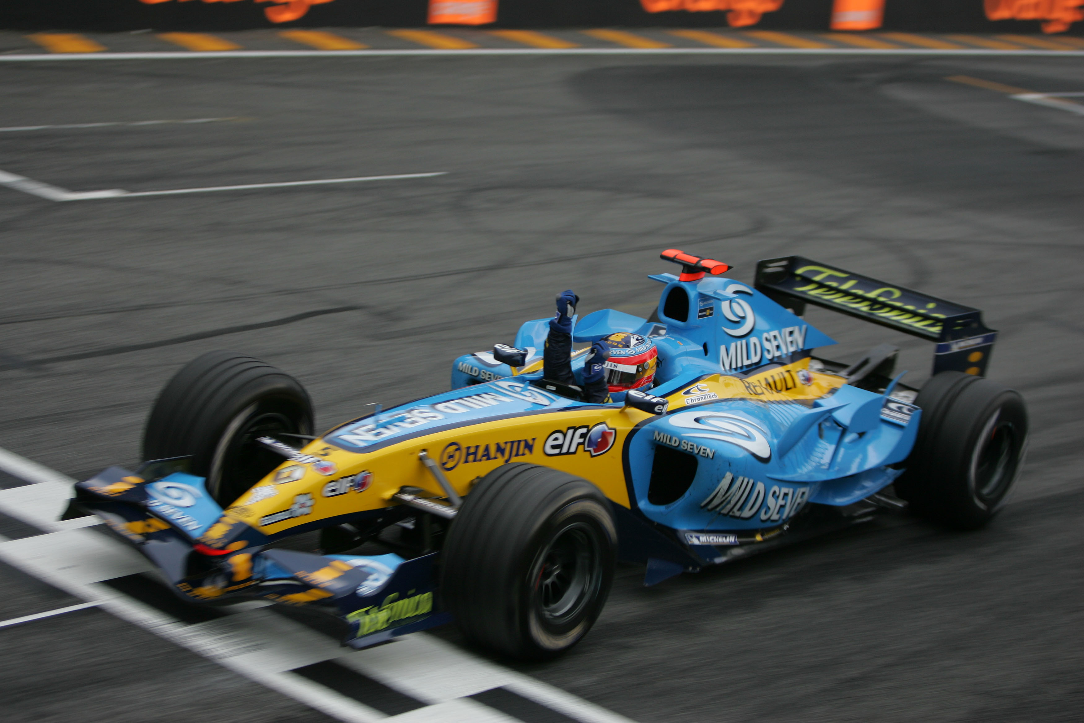 Fernando Alonso Renault wins 2005 F1 world championship