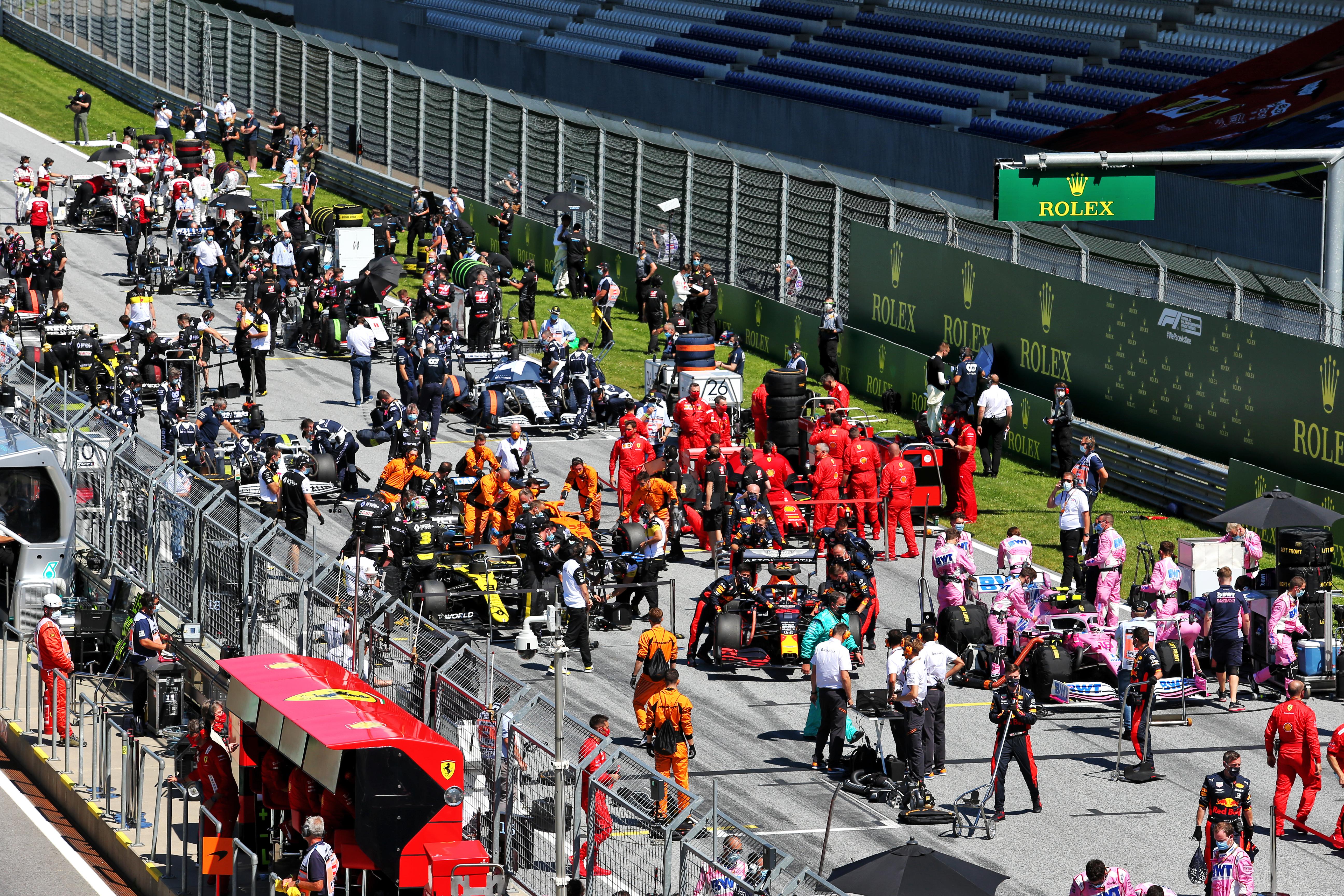 F1 teams on grid mechanics Austrian Grand Prix 2020 Renault Ferrari Red Bull Racing Point