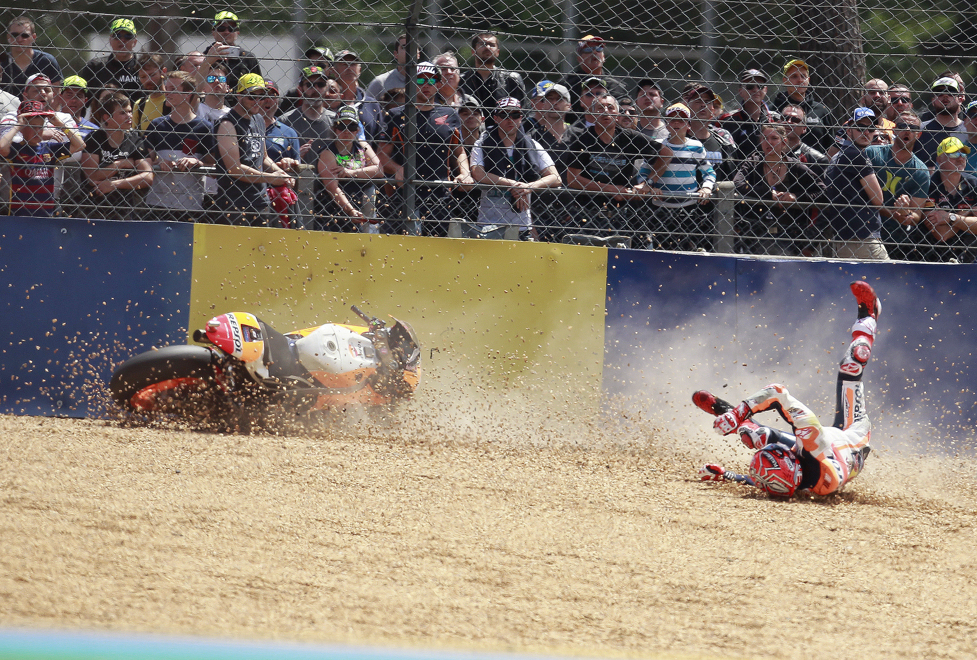 Marc Marquez crash Le Mans MotoGP 2017