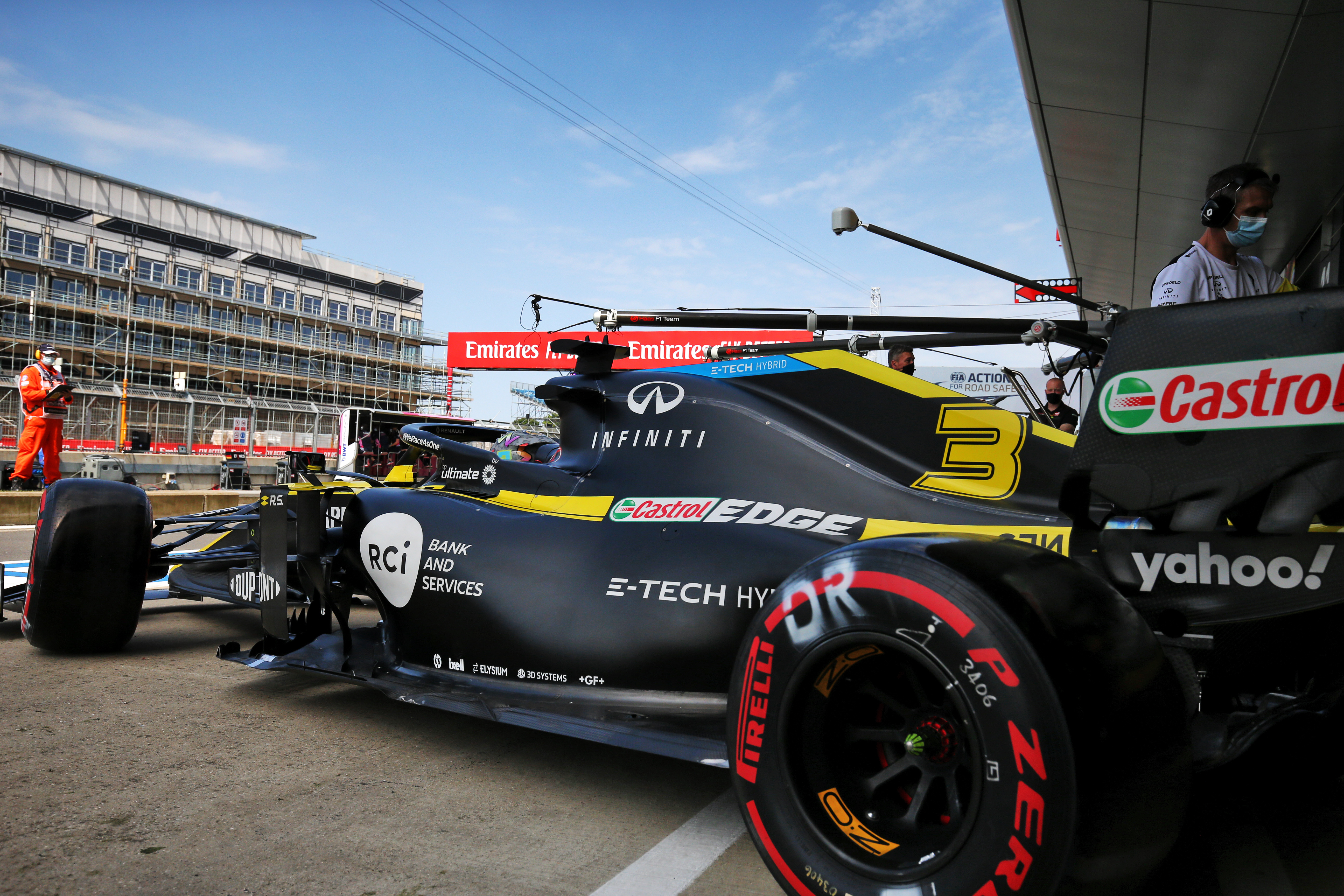 The Friday Mistake That Could Undo Renault S Good Work The Race