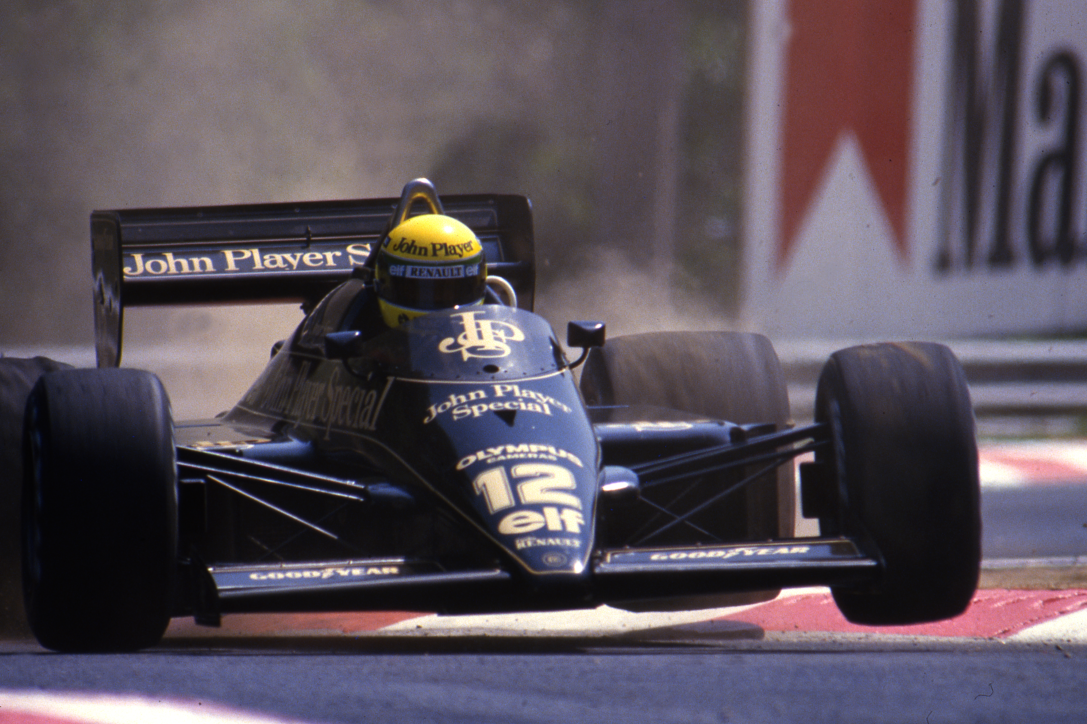 Ayrton Senna Lotus 1985
