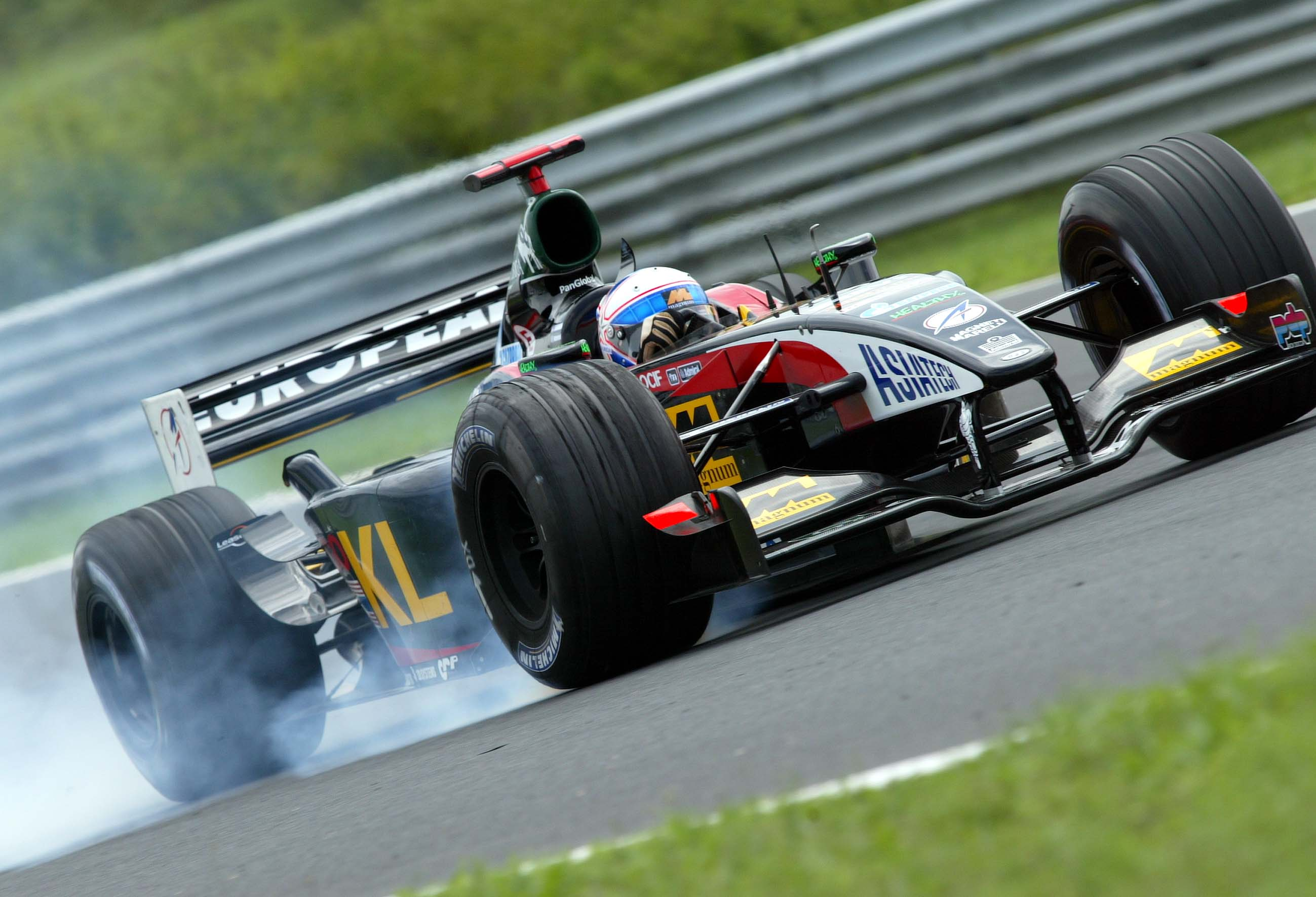 F1 In Budapest, Training Am Freitag, Anthony Davidson (minardi, Ps02) Auf Der Strecke...