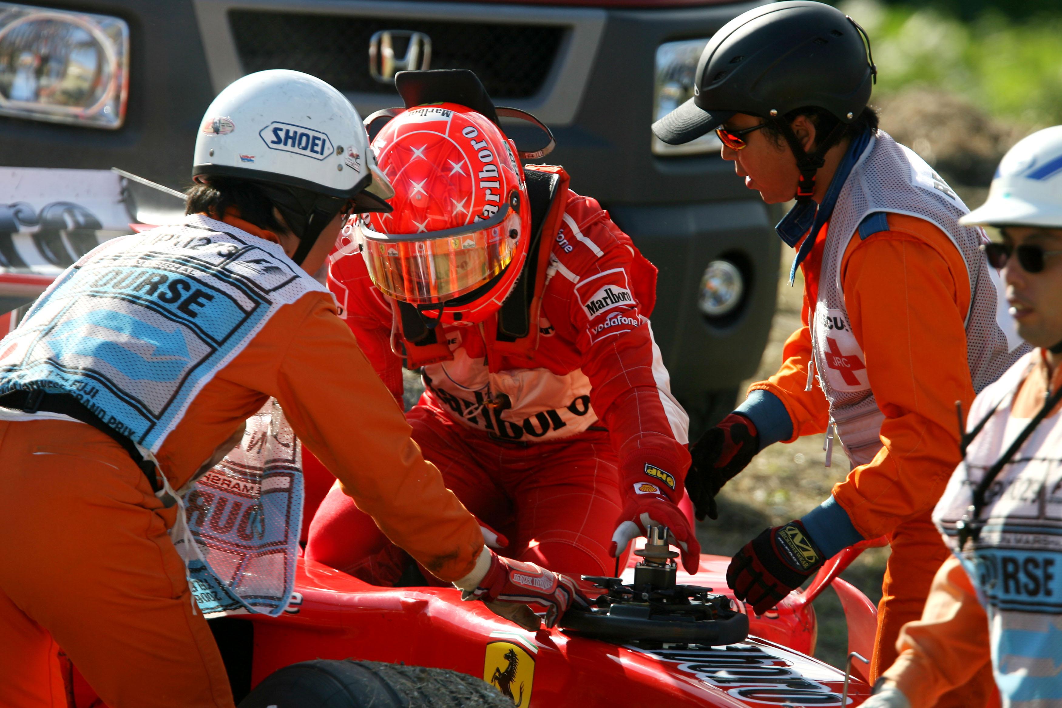 Michael Schumacher retires from 2006 Japanese GP Ferrari F1