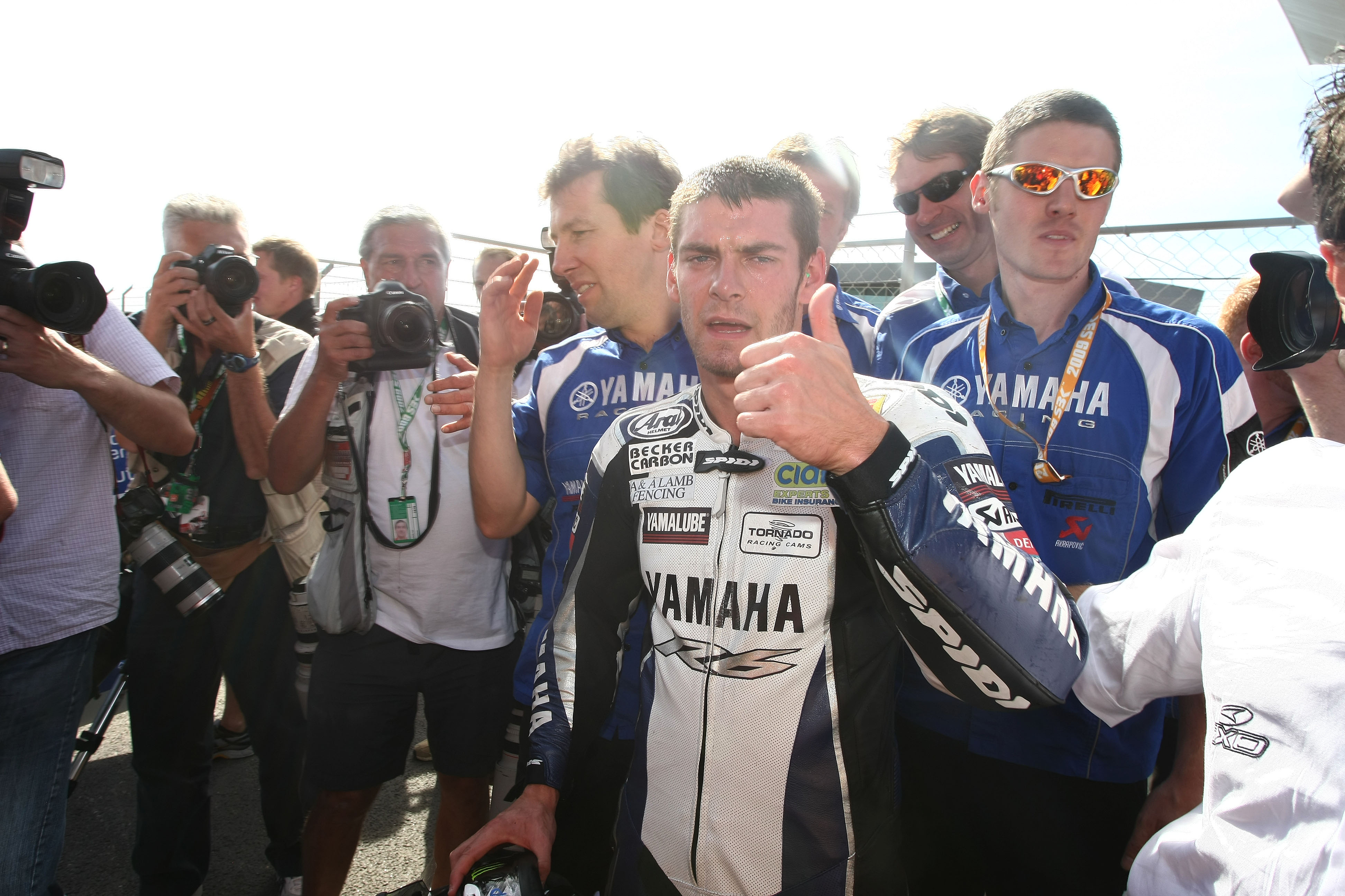 Cal Crutchlow wins 2009 World Supersport title