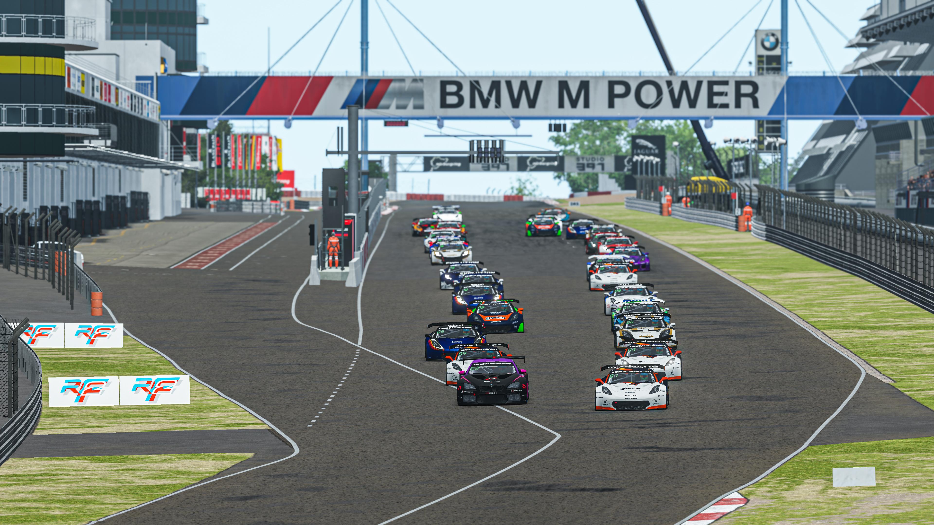 Gt Pro S2 R4 Sprint Race Start Pic 2