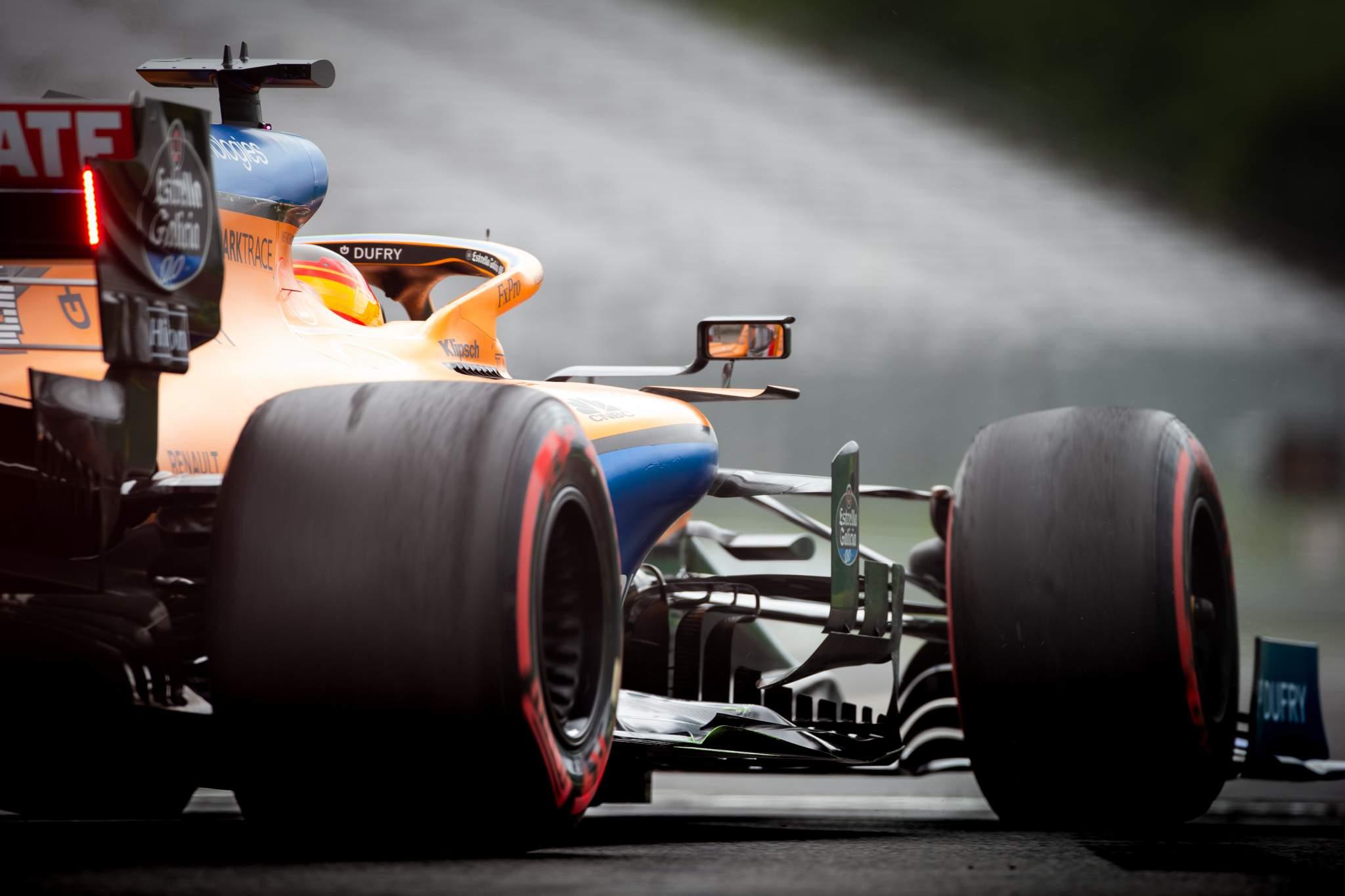 Carlos Sainz McLaren F1 Pirelli tyres