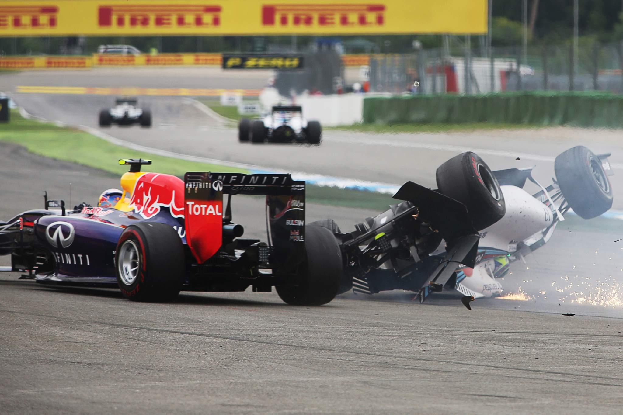 Daniel Ricciardo Red Bull Felipe Massa Williams upside down crash German Grand Prix 2014 Hockenheim